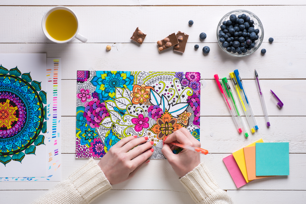 Colouring pads and pens